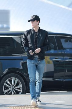 171027 SEHUN INCHEON AIRPORT TO HONGKONG AIRPORT #EXO Japan Fashion, Kpop Fashion, Korean Fashion, Mens Fashion, Airport Fashion, Sehun Cute, Exo Members, Korean Men, Korean Style