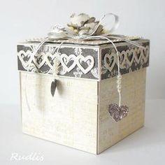 love, life and crafts Rudlis: Drogi Watson w ślubnej odsłonie Scrapbook Box, Scrapbooking, Fairy Box, Girl Birthday Decorations, Exploding Box Card, Photo Boxes, Pop Up Box Cards, Bottle Box, Magic Box