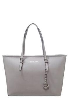 Der Jetsetter für die Metropolista! MICHAEL Michael Kors JET SET TRAVEL - Shopping Bag - pearl grey für 227,95 € (14.09.16) versandkostenfrei bei Zalando bestellen.