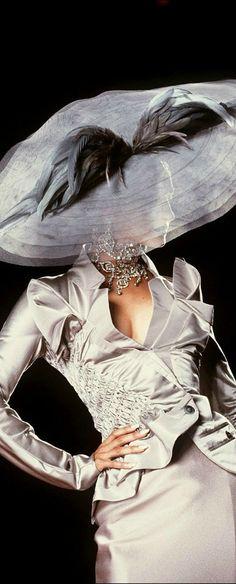 Chapeau Christian Dior                                                       …