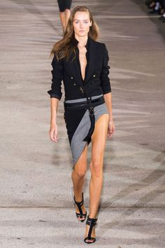 Anthony Vaccarello Spring 2015 helped kick off Paris Fashion Week today. See the best runway looks here. Runway Fashion, Spring Fashion, Fashion Beauty, Fashion Show, Womens Fashion, Paris Fashion, Fashion Design, Fashion Trends, London Fashion Weeks