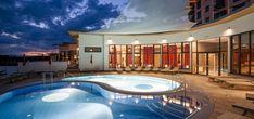 Il complesso termale Allegria Resort in Austria è perfetto per un soggiorno di relax e divertimento. Con 1.500 mq di acque termali e tantissime attività per famiglie a disposizione, il resort è stato