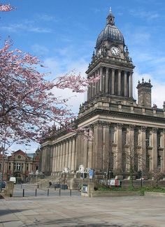 Leeds Town Hall : official name is the Victoria Hall Shared by Motorcycle Fairings - Motocc Leeds England, England Ireland, Yorkshire England, West Yorkshire, Yorkshire Towns, Scotland Uk, England And Scotland, Victoria Hall, Leeds United Fc