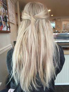 Trendfrisuren Frank, akkurater Mittelscheitel oder This particular language Reduce Kick the bucket Frisurentrends 2020 Beauté Blonde, Ash Blonde Balayage, Light Blonde Hair, Blonde Hair Looks, Blonde Hair With Highlights, Platinum Blonde Hair, Blonde Straight Hair, Perfect Blonde Hair, Girls With Blonde Hair