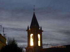 """#Huelva - #Cartaya - Iglesia de San Pedro.  37º 17' 1"""" - 7º 9' 21"""".  El edificio actual se empezó a construir en 1575 siendo culminado el proceso en 1606. Mide 42 x 19 m, es una construcción de tres naves y cabecera plana. El conjunto de la construcción, aunque calzado con materiales típicamente mudéjares, es de concepto fundamentalmente renacentista, propio de su época."""
