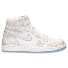 @CrownMeQueen Basketball Shoes, Basketball Outfits, Jordan Retro 1, Dope Outfits, Tshirts Online, Latest Fashion, High Top Sneakers, Air Jordans, Shopping