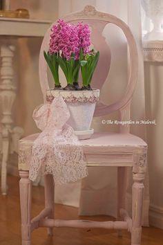 ROSE GARDEN Malevik: renovate furniture with Chalk Paint