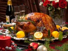 If you want a moist and flavorful turkey for your holiday feast, this Lemon & Herb Roasted Turkey is delicious and diet friendly. Turkey Recipes, New Recipes, Holiday Recipes, Dinner Recipes, Turkey Meals, Christmas Recipes, Christmas Roast Turkey, Herb Roasted Turkey, Party Food Labels