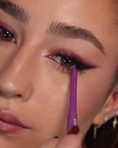 Edgy Makeup, Eye Makeup Art, Skin Makeup, Eyeshadow Makeup, Pink Eye Makeup Looks, Gloss Eyeshadow, Pink Eyeshadow, Makeup Trends, Makeup Inspo