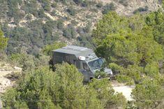 KoMa Grey, 4x4 Sprinter mit Aufbau von KoMa.land ... in Spanien Mercedes Sprinter, 4x4, Grey, Outdoor, Landing Gear, Sevilla Spain, Rolling Stock, Ash, Outdoor Games