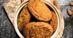 Almond Cookies, Almonds, Cookies Et Biscuits, Brownies, Ice Cream, Desserts, Food, Drizzle Cake, Kitchens