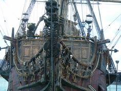 Pirate skeleton figurehead