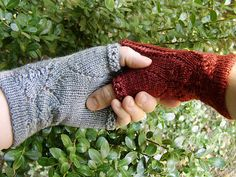 Free Knitting Pattern - Fingerless Gloves & Mitts: Ishbel & Elena Mitts