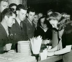Joan Leslie Signing Autographs At The Hollywood Canteen