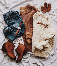 Perfect Fall / Winter Look – Latest Casual Fashion Arrivals. - Street Fashion, Casual Style, Latest Fashion Trends - Street Style and Casual Fashion Trends Fall Winter Outfits, Autumn Winter Fashion, Winter Sweater Outfits, Winter Outfits For Teen Girls Cold, Winter Shoes, Winter Wear, Winter Dresses, Cozy Fall Sweater, Autumn Cozy Outfit