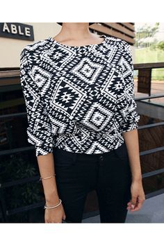 Today's Hot Pick :Ethnic Crop Shirt http://fashionstylep.com/SFSELFAA0023543/insang1en/out Wear a sure charmer today - with this playfully designed crop shirt. To achieve a great style,wear with vintage skinny jeans. - Round neckline - Long-sleeves - Regular fit - Ethnic pattern - Cropped - Available color(s): Black