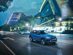 The all-new Jaguar F-Pace First Edition is a true competitor to Porsche, BMW and Audi. With a length of approx....