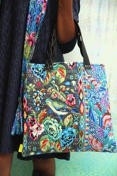 Bella- Amy Butler bag pattern with Renaissance Ribbons!