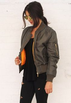 Detail Padded Bomber Jacket in Khaki Green 40 Casual Bomber Jacket Outfits for Winters 'Cause it's Back in Trend' Brown Bomber Jacket, Green Bomber Jacket Outfit, Khaki Jacket, Green Jacket, Casual Outfits, Cute Outfits, Fashion Outfits, Outfit Invierno, Casual Looks