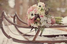 {Wedding Florals} Seasonal Flowers to Remember Winter Wedding Flowers, Floral Wedding, Snow Wedding, Winter Weddings, Boho Deco, Winter Bouquet, Winter Wonderland Wedding, Winter Wedding Inspiration, Seasonal Flowers