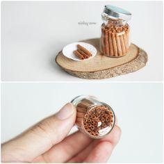 Mini pirouette cookies