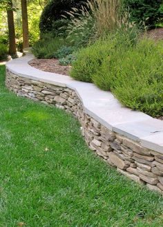 50+ Crazy Front Yard Retaining Wall Landscaping https://www.onechitecture.com/2018/04/03/50-crazy-front-yard-retaining-wall-landscaping/