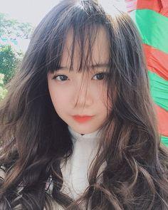 Cute Korean Girl, Cute Asian Girls, Beautiful Asian Girls, Cute Girls, Cool Girl, Girl Photo Poses, Girl Photos, Girls Tumblrs, Girl Korea