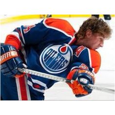 Just love me some Smytty! Who Plays It, Different Sports, Just Love Me, Edmonton Oilers, Figure Skating, Nhl, Gymnastics, Race Cars, Hockey