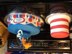 Seuss cake - cat in the hat & fish 4th Birthday Parties, Birthday Ideas, Cupcake Cakes, Cupcakes, Dr Seuss Birthday, Party World, Cake Creations, Goodies, Party Ideas