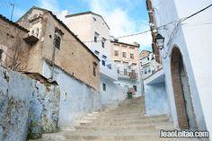 Escadarias em direcção ao centro da cidade de Chefchaouen