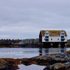 "Kewtie Bird on Instagram: ""House on a rocky beach .  #beachhouse #brickhouse #smøla #strand #houseonthewater #strandhus #island #cloudyday #seaview #mittnorge #travel…"""