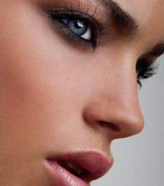 Professional Celebrity Makeup Artist Melbourne & Hair Stylist  Beauty | Commercial | Editorial | Advertising