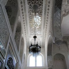 WHITE HALL OF SITORAI-MOHI-HOSA PALACE. BUKHARA.The beginning of the 20th century. Decorative trim hall receptions Bukhara Emir Alim Khan (1910-1920) in the Sitorai-Mohi-Hosa palace near Bukhara.