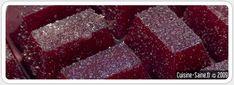 Yummy Organic pâtes de fruits à la myrtille :Temps de préparation : 5 min  Temps de cuisson : 10 min        125g de myrtilles      125g de sucre de canne blond      160ml d'eau      le jus d'un demi-citron      2 cuillères à café d'agar agar        Mixez finement les myrtilles avec le sucre et le jus du demi-citron.        Dans une casserole