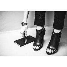 Vélez for leather lovers | Leonora Jimenez