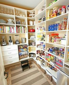 { New House Tour } Pantry Makeover Before AND After Photos My dream pantry! { New House Tour } Pantry Makeover Before AND After Photos! Pantry Organisation, Pantry Storage, Kitchen Organization, Kitchen Storage, Organization Ideas, Organized Pantry, Storage Ideas, Food Storage, Plastic Storage