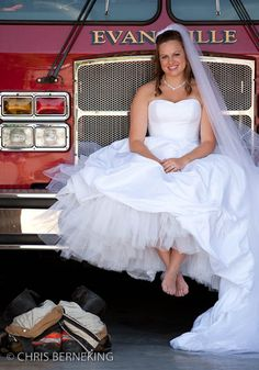 Firefighter wedding pictures