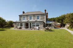 Luxury self-catering in Mullion Cove, luxury self-catering in Mullion on the Lizard, Cornwall