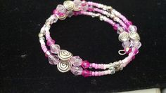 Pink swirl beaded memory wire bracelet #pinks #diy #beaded #bracelet