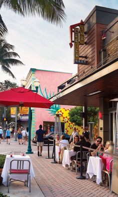 On Atlantic Avenue, Delray Beach, my most favourite place in the entire world...