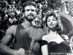 Chelo Alonso visits Steve Reeves on the set of HERCULES UNCHAINED (1959) - PEPLUM Golden Age Of Hollywood, Classic Hollywood, Classic Sci Fi Movies, Steve Reeves, Fitness Icon, Gone Girl, Sinbad, Bodybuilding, Peplum