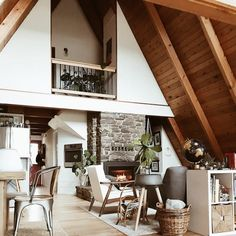 How to Get Cozy, According to the Snuggest Cabins on Airbnb #SOdomino #room #interiordesign #furniture #property #home #house #building #livingroom #ceiling #attic