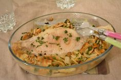 Baked skate wing, white wine and mushrooms - Au Fil du Thym Chicken White Sauce, Easy White Sauce, White Sauce Pasta, White Pasta, White Sauce Recipe Hibachi, White Sauce Recipes, Pizza Recipes, Keto Recipes, Chicken Recipes