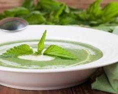 Soupe d'orties de grand-mère pour lutter contre l'anémie : http://www.fourchette-et-bikini.fr/recettes/recettes-minceur/soupe-dorties-de-grand-mere-pour-lutter-contre-lanemie.html