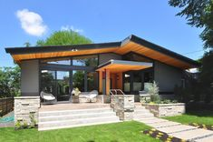 Portland Modern Home @ McGlashan Architecture Cottage Exterior, Dream House Exterior, Modern House Plans, Modern House Design, Modern Architecture, Pavilion Architecture, Chinese Architecture, Building Architecture, Sustainable Architecture