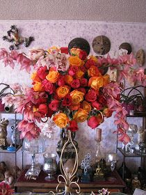 Nice colors and bouquet shape  ArtQuest Flowers   San Diego Wedding Florist and Planner   Indian Wedding Planner and Florist