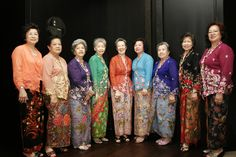 Traditional Peranakan Dress - The Nonya Kebaya.                                                                 THE LIBYAN Esther Kofod www.estherkofod.com