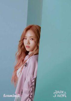 reveal individual teaser images for comeback Kpop Girl Groups, Korean Girl Groups, Kpop Girls, Lee Seo Yeon, South Korean Girls, Photo Cards, Teaser, Trending Memes, Cool Girl