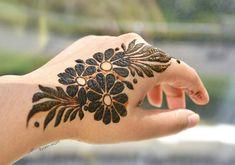 easy mehndi designs for beginners step by step - beautiful mehndi henna . Henna Hand Designs, Dulhan Mehndi Designs, Mehandi Designs, Mehndi Designs Finger, Khafif Mehndi Design, Mehndi Designs Book, Latest Arabic Mehndi Designs, Mehndi Designs For Girls, Mehndi Designs For Beginners