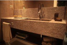 Granit Waschtische sind im Badbereich gerne gesehen. Sie sind pflegeleicht, widerstandsfähig und langlebig. Hinzu kommen die enormen Gestaltungsmöglichkeiten, die durch den individuellen Zuschnitt erreicht werden.